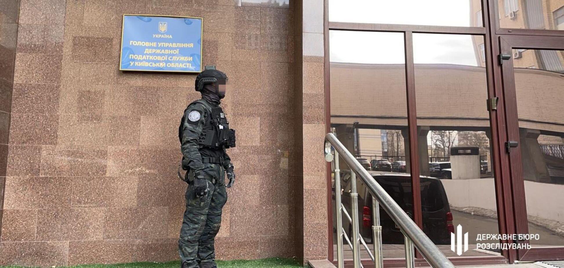 Топчиновник податкової Київщини погорів на корупції
