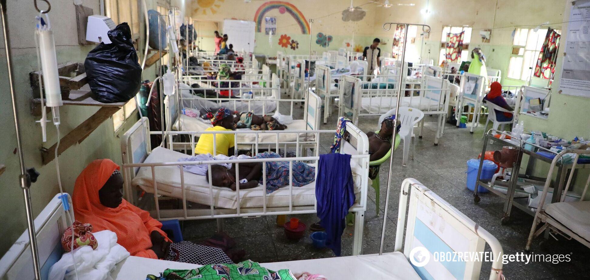 В Африке от неизвестной болезни умерла девочка, еще 30 детей заболели