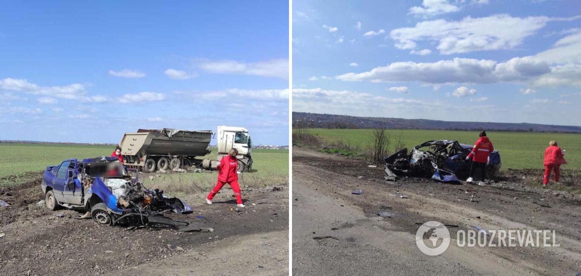 На трассе под Николаевом столкнулись такси и грузовик