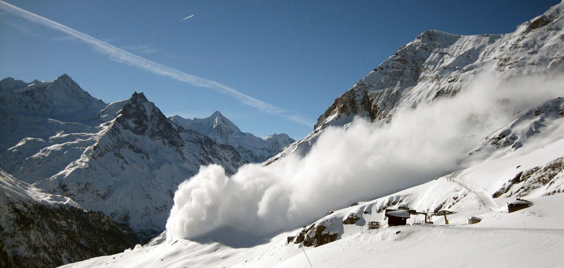 В Карпатах объявили об опасности схода лавин. Фото