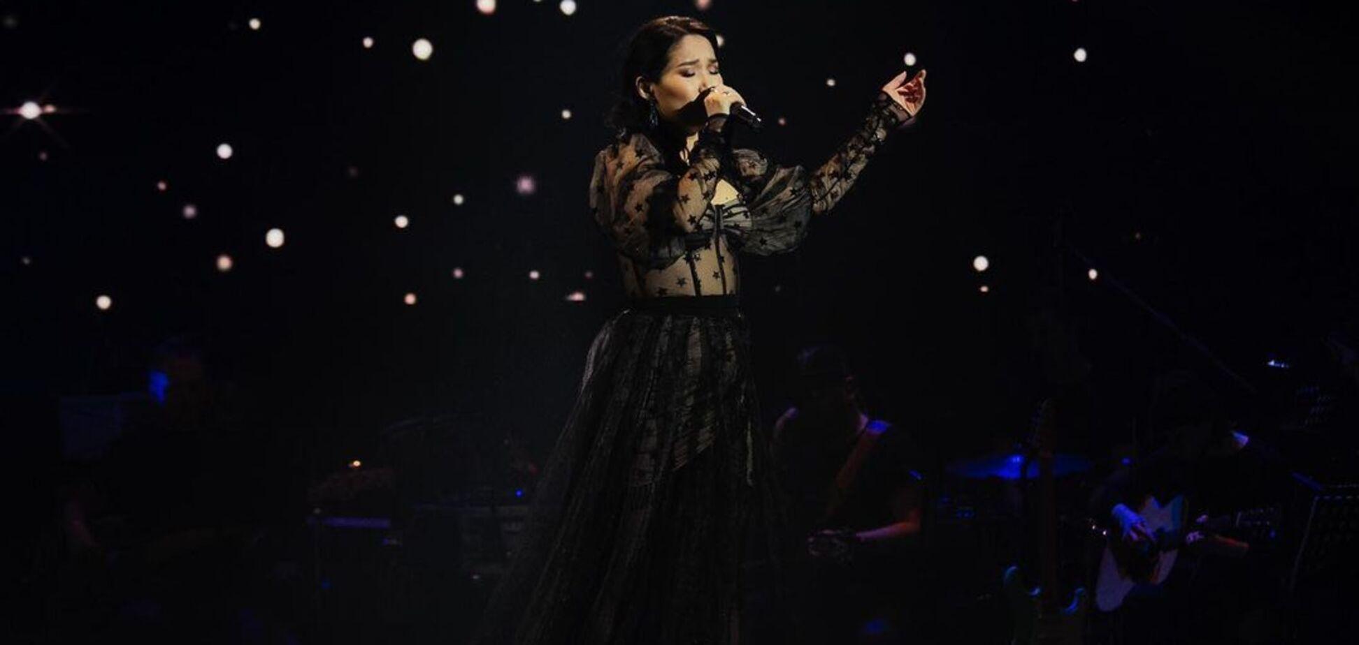 Тина Кароль трогательно исполнила известный хит с участницей 'Голосу країни-11'