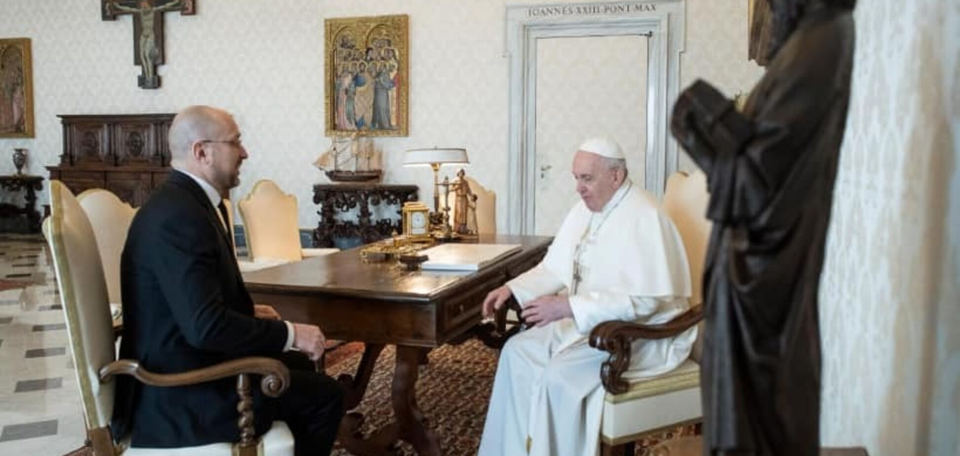 Что Шмыгаль делал у Папы Римского?