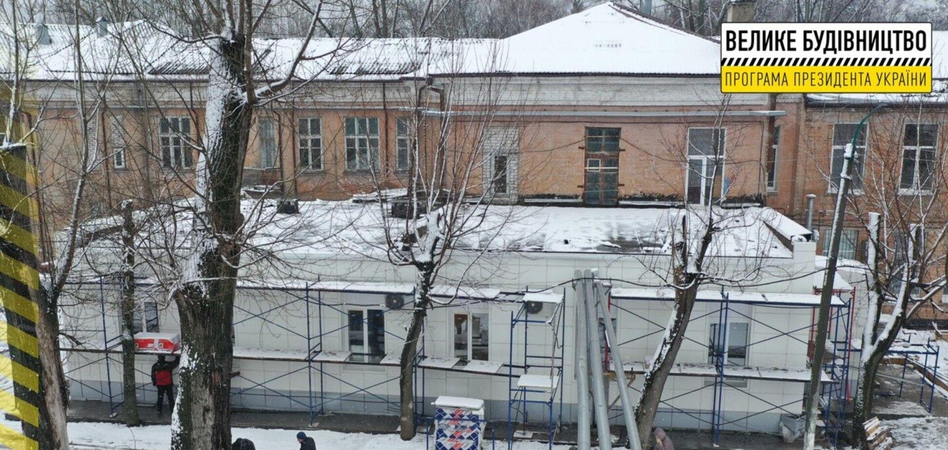 В Днепре продолжается реконструкция приемного отделения городской больницы №9