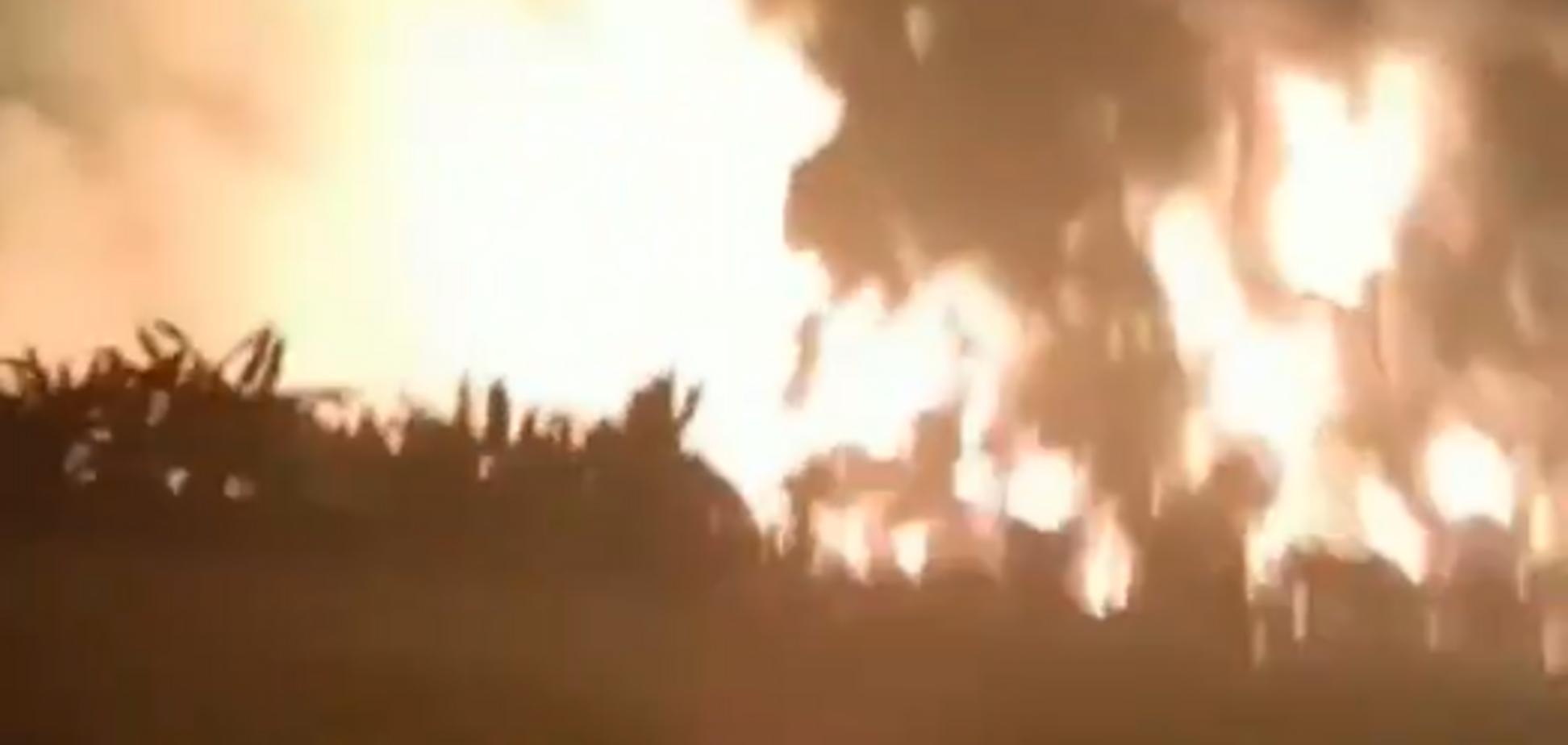 В Индонезии взорвался нефтеперерабатывающий завод