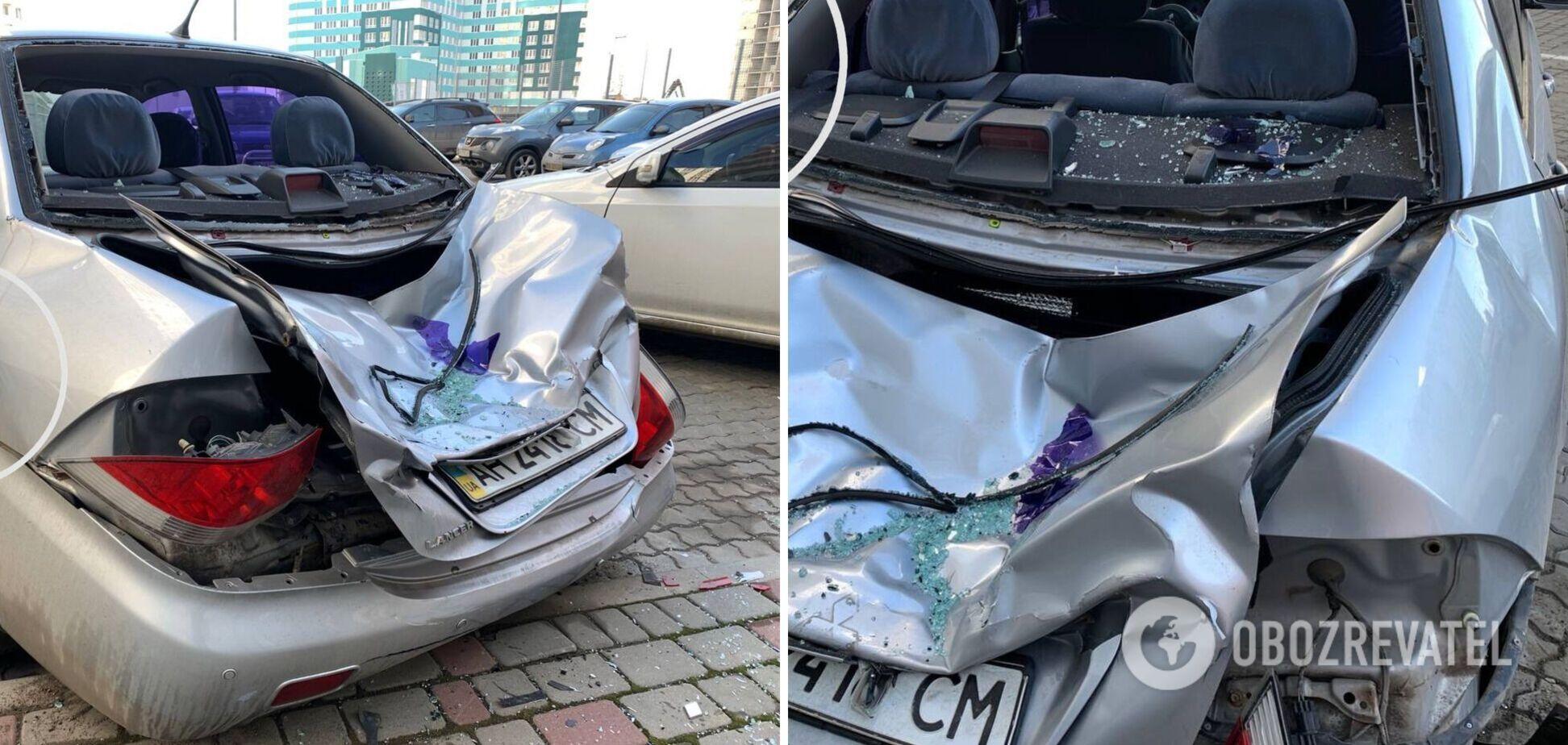 Мужчина упал из окна на машину в Одессе