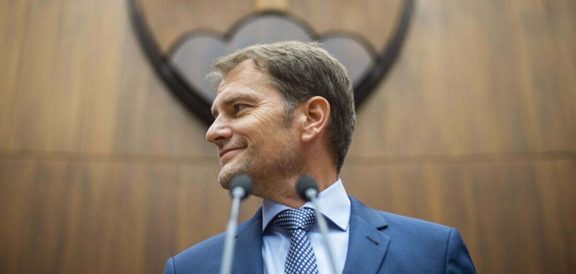 Премьер Словакии неудачно пошутил об обмене Закарпатья на вакцину