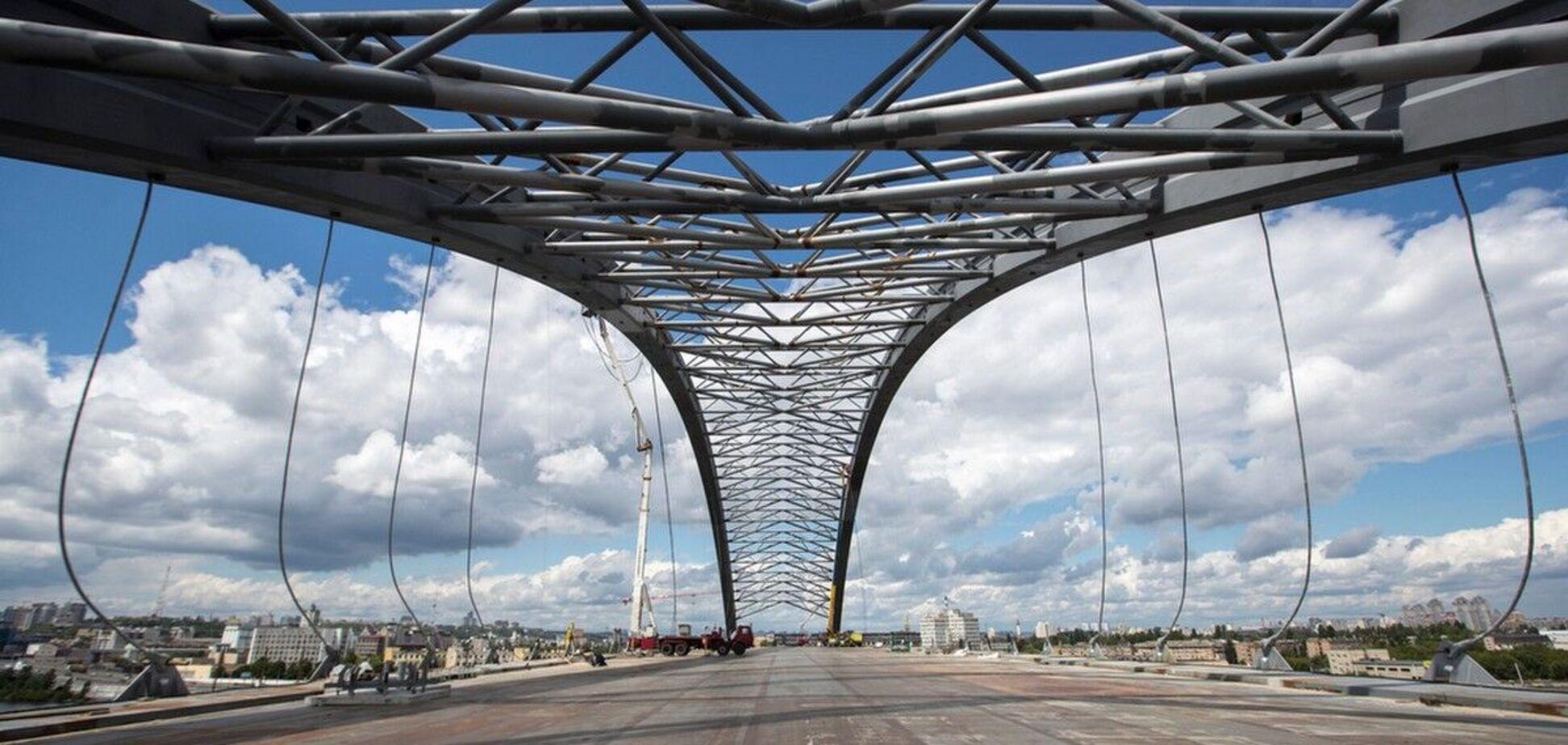 Миллиарды на долгострой и метро на Троещину: когда откроют Подольский мост в Киеве. Фото, видео
