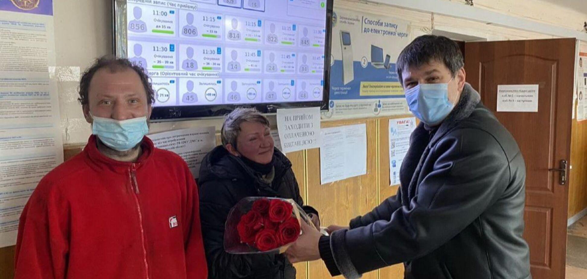 В Киеве пара бездомных решила изменить свою жизнь: восстановили паспорта и собираются женится