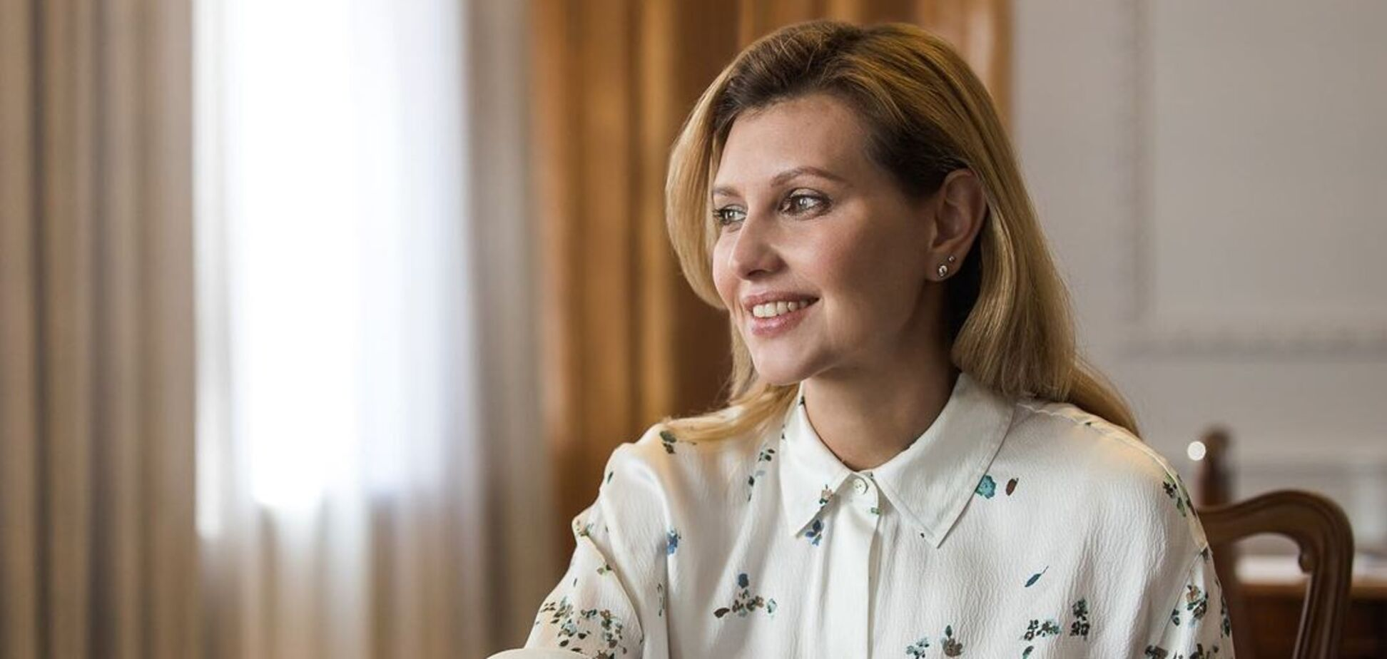 Елена Зеленская показала стильный образ