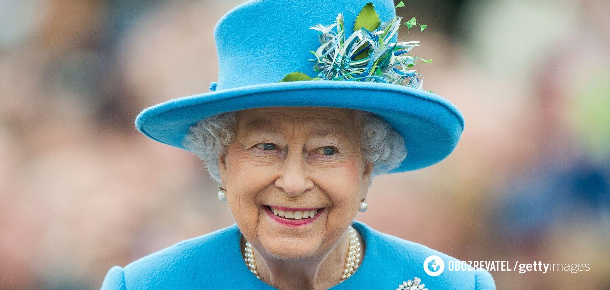 Єлизавета II відвідала меморіал Військово-повітряних сил в Раннімеде