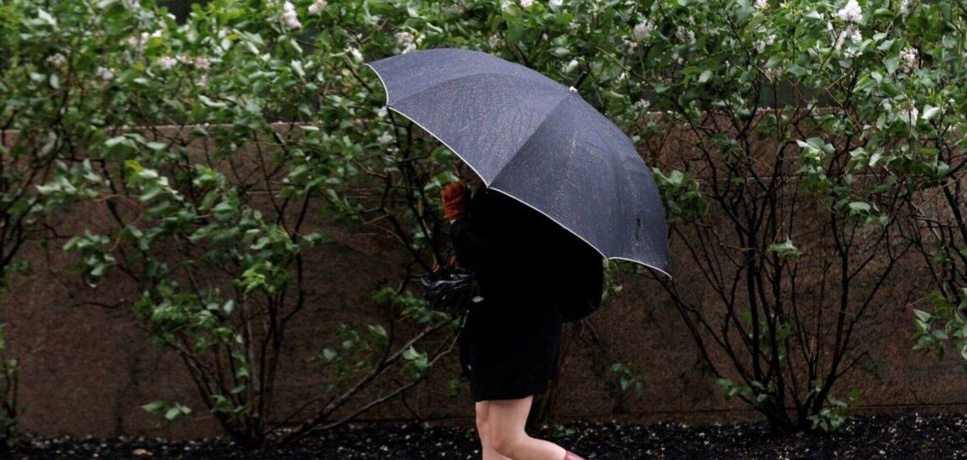 В Украине резко потеплеет и пойдут дожди: синоптики уточнили прогноз погоды на четверг. Карта