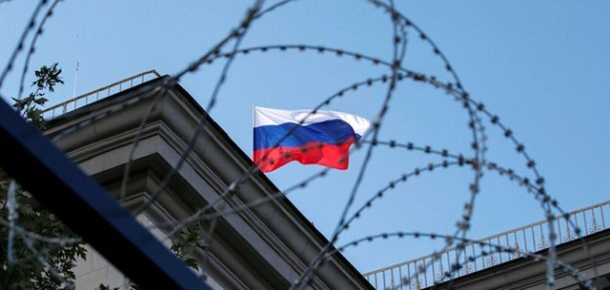 Люди, що перетворили Росію в клітку повинні відчувати себе в ній, як у клітці