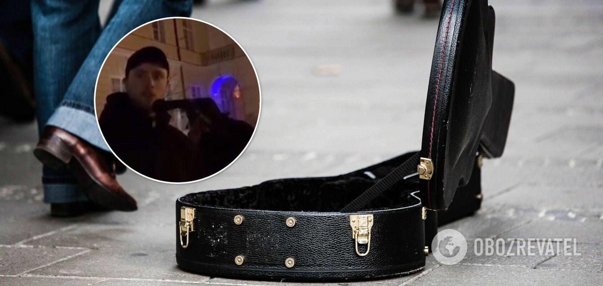 Во Львове проучили музыканта, пославшего девушку 'на панель, если ее тошнит от русского языка'. Видео конфликта