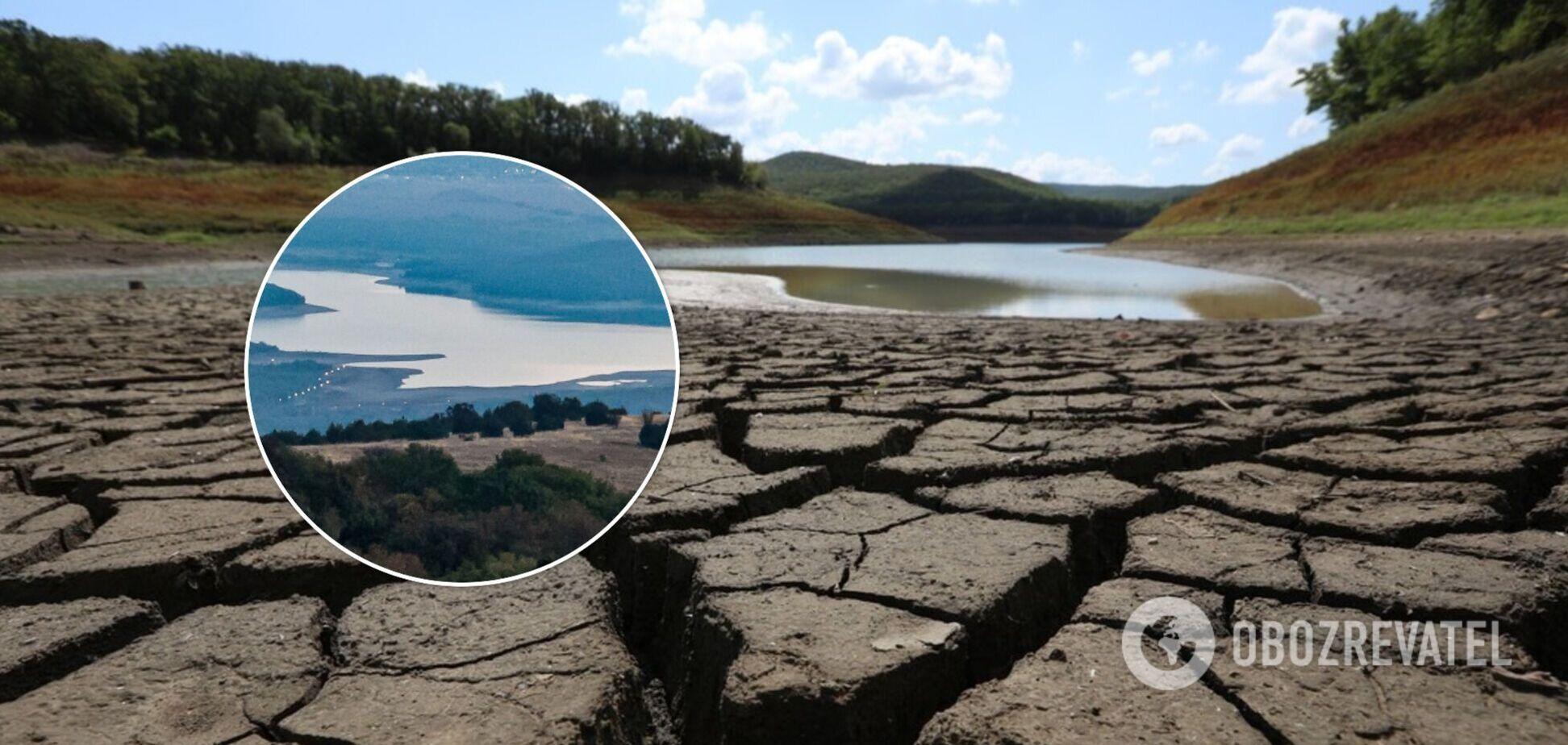 У Криму через засуху обміліло ще одне озеро. Фотофакт