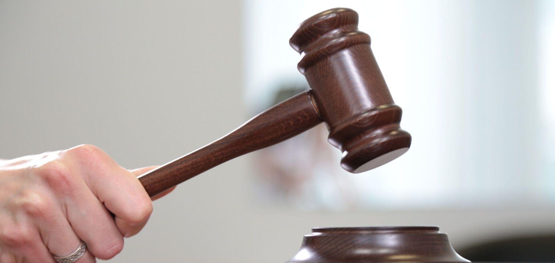 Суд відпустив додому вбивцю жінки