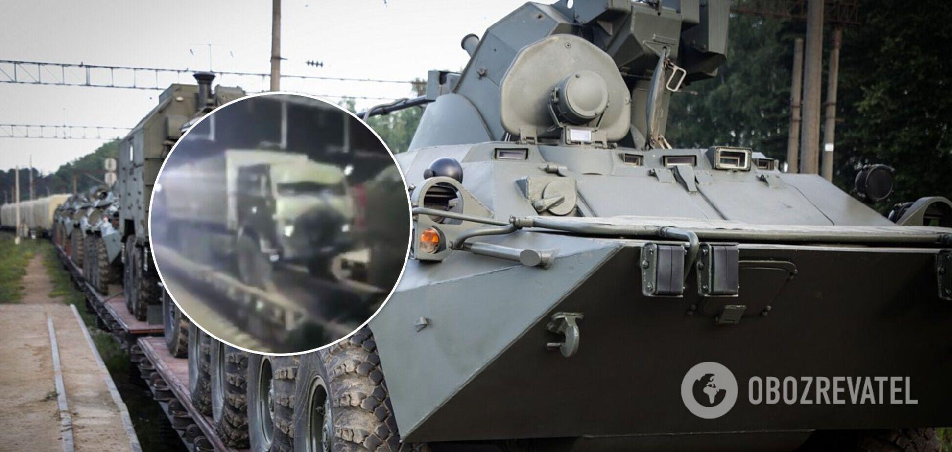 Появились новые кадры с российской военной техникой и авиацией возле границ Украины