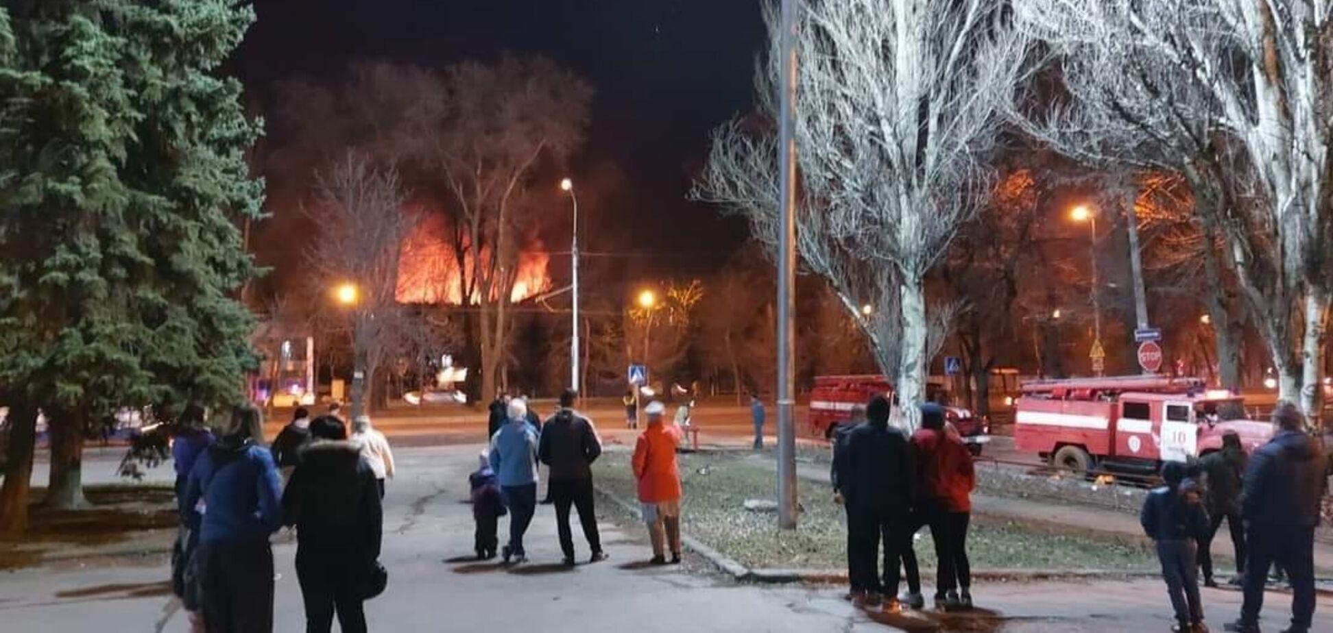 У Донецьку спалахнула пожежа і пролунали 'вибухи': в мережі написали про НП на військовій базі