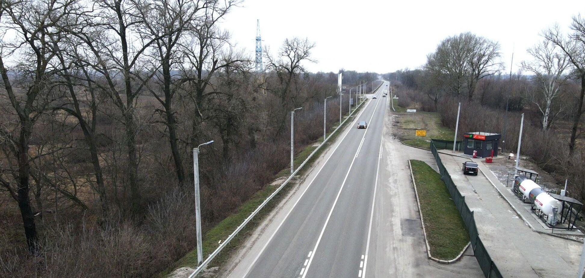 Под Киевом Volkswagen влетел под грузовик