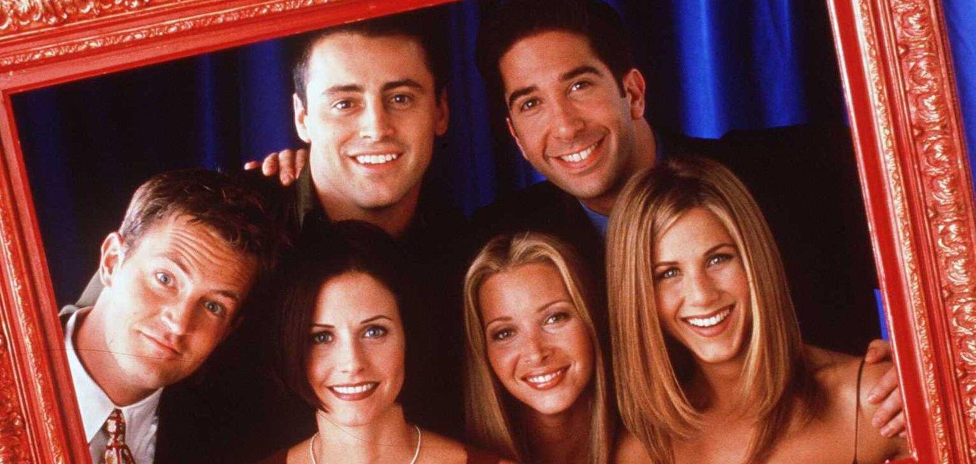 В сети показали первые кадры со съемок продолжения сериала 'Друзья'