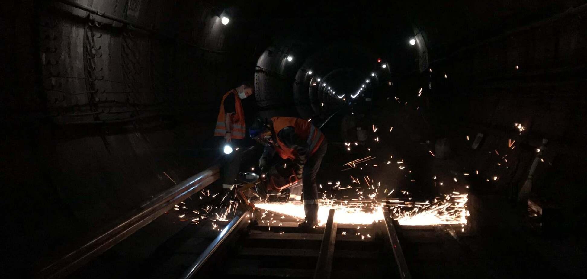 У київському метрополітені розповіли, як замінють рейки та шпали