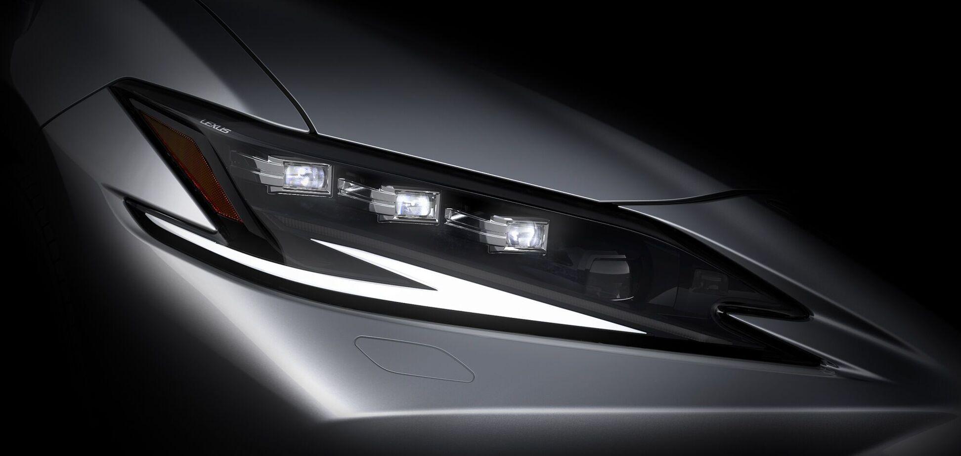 Lexus привезе до Шанхая оновлений спортседан ES