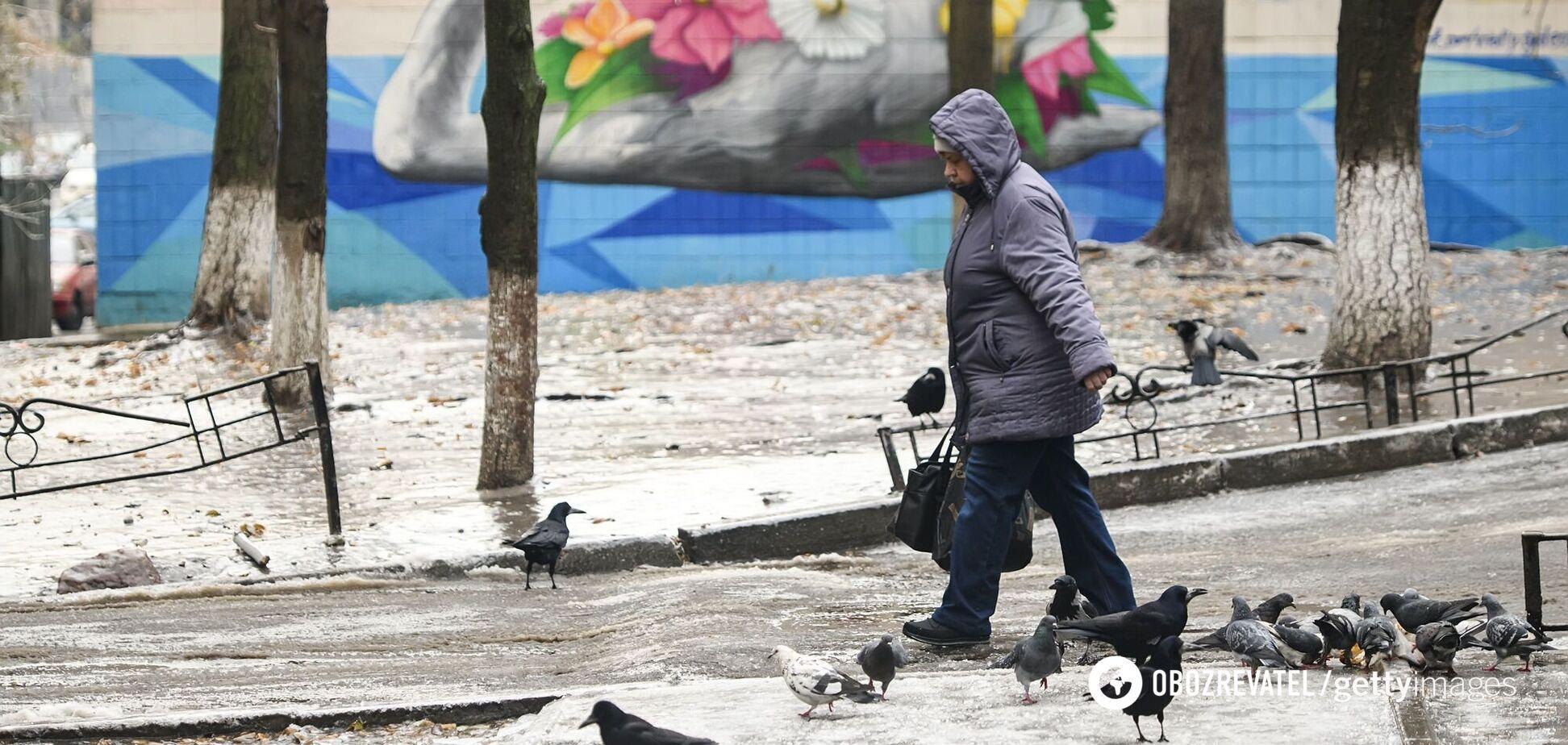 В Украину возвращаются холода и снег: где пройдут осадки. Карта