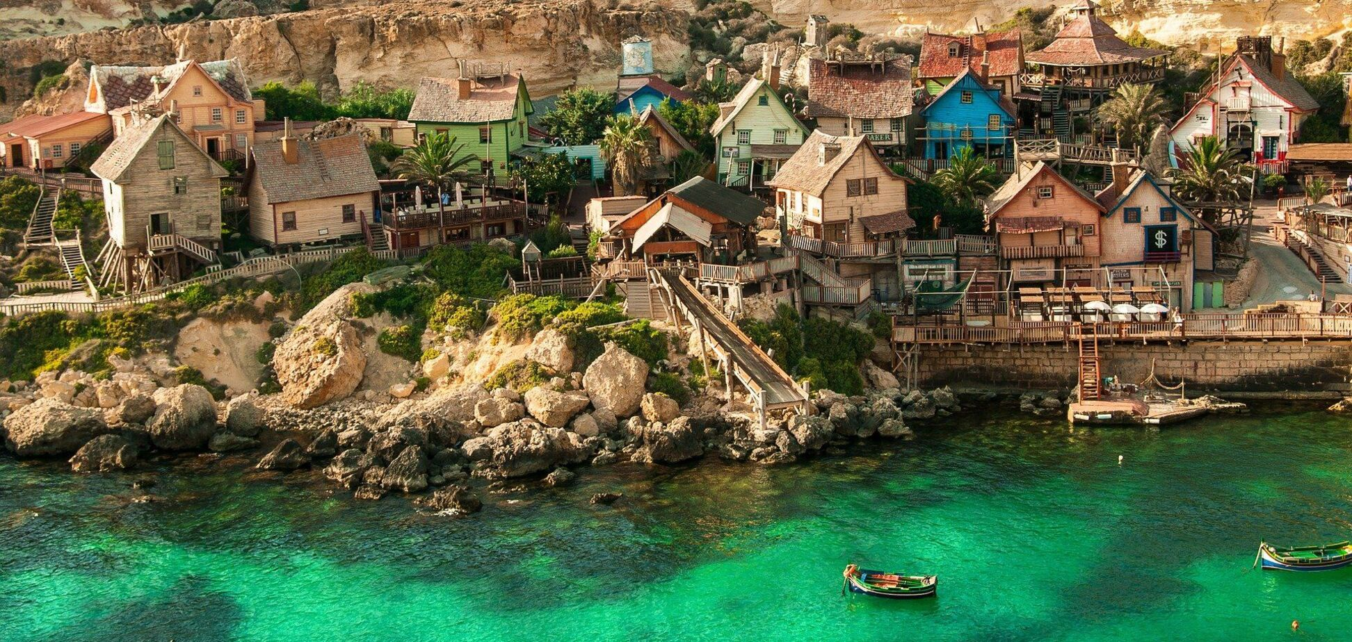 Влада Мальти готова платити туристам
