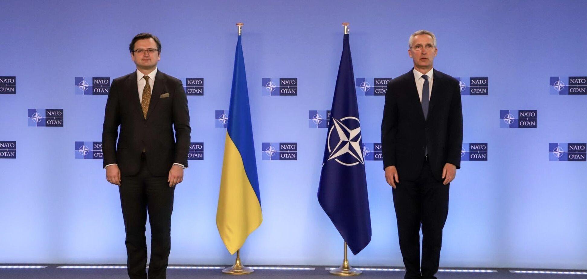 Кулеба на брифинге с генсеком НАТО: Украина никогда не станет частью 'русского мира'