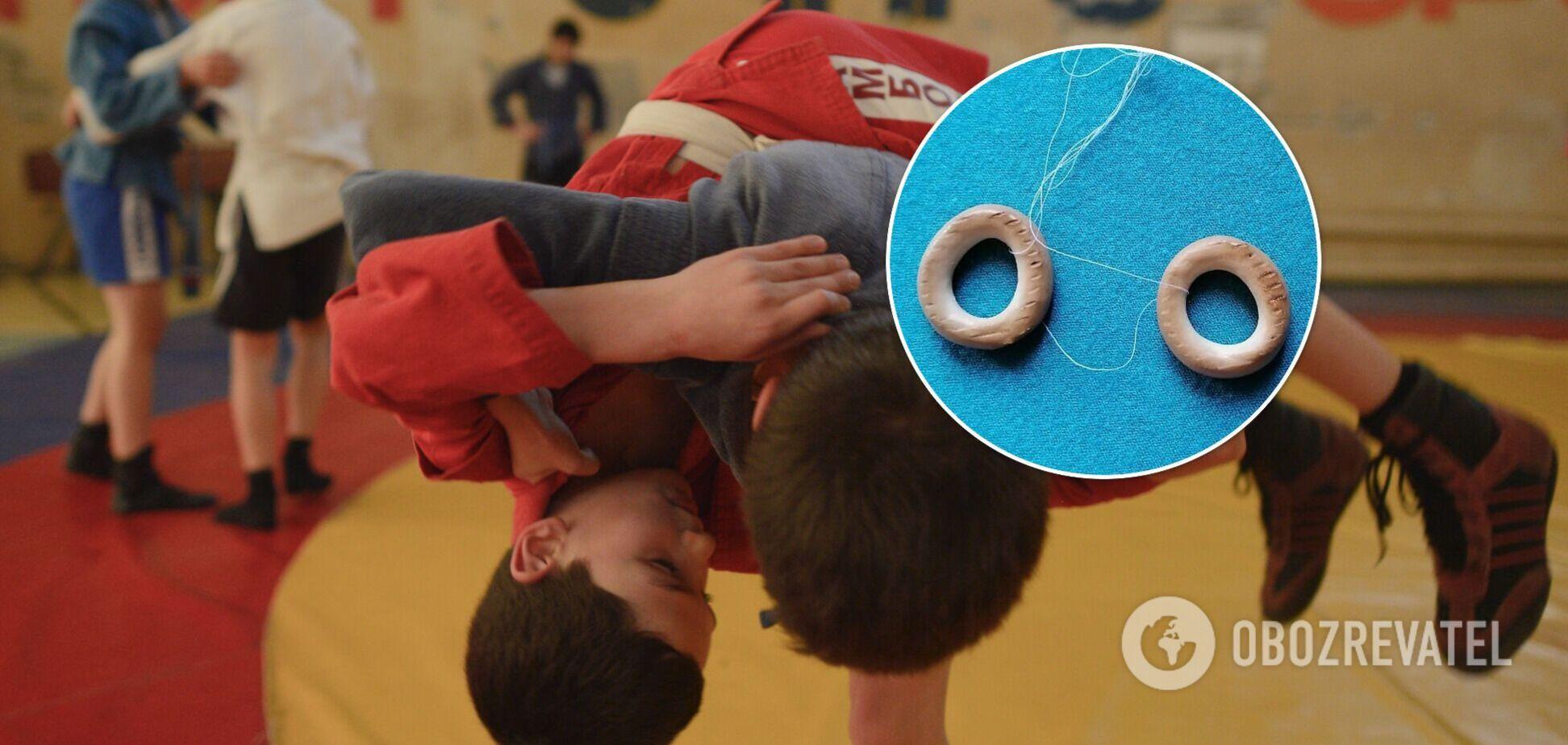 В России призерам турнира вместо медалей повесили на шею сушки. Фотофакт
