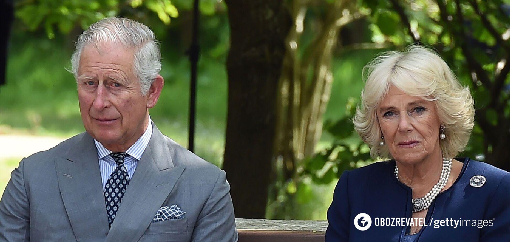 Принц Чарльз был тронут огромным количеством цветов и подарков для отца