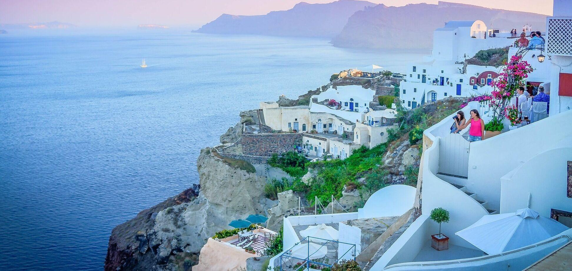 Греція скасовує тижневий карантин для туристів з ЄС