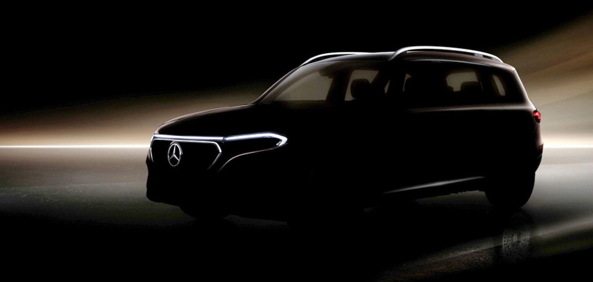 Mercedes-Benz готується до прем'єри електричного кросовера EQB