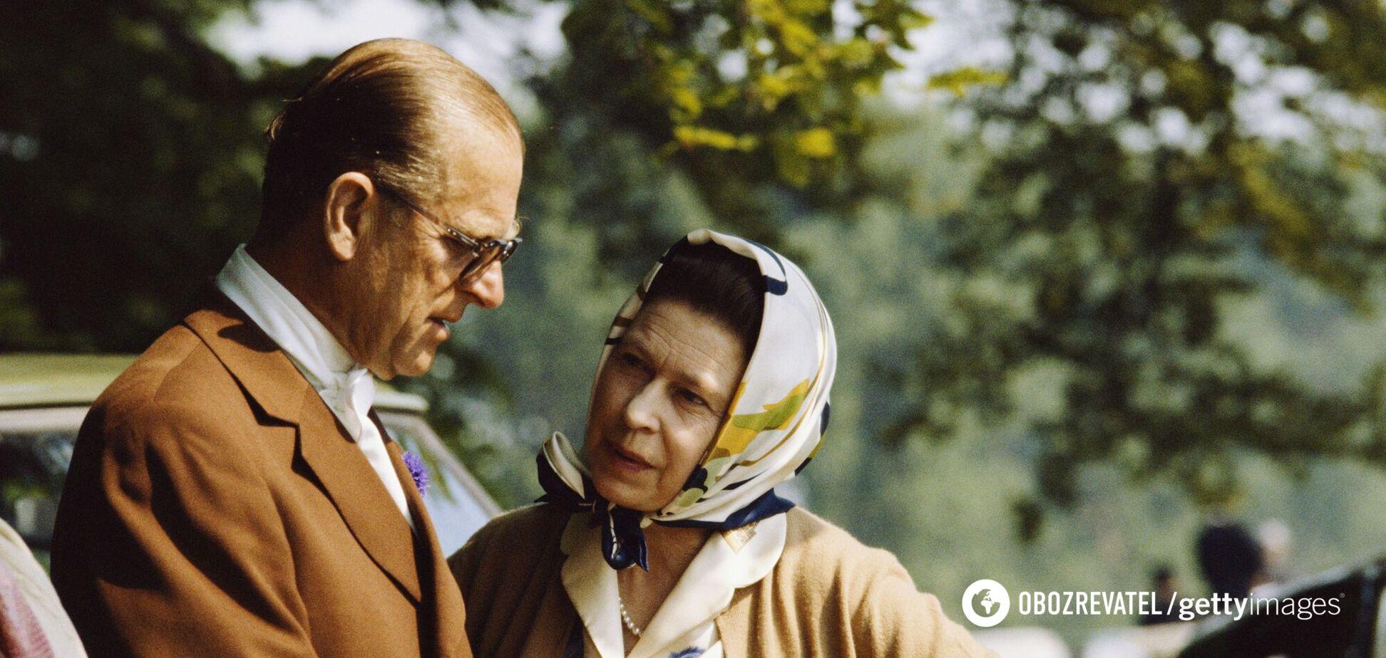 Елизавета II показала свое любимое фото с принцем Филиппом на их «счастливом месте»