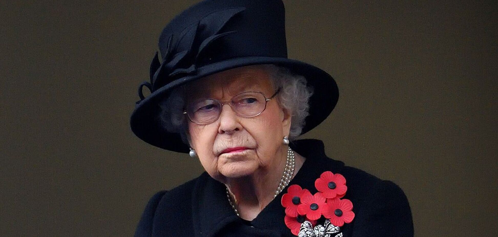 Елизавета II оставила на гробу принца Филиппа письмо со своим детским прозвищем
