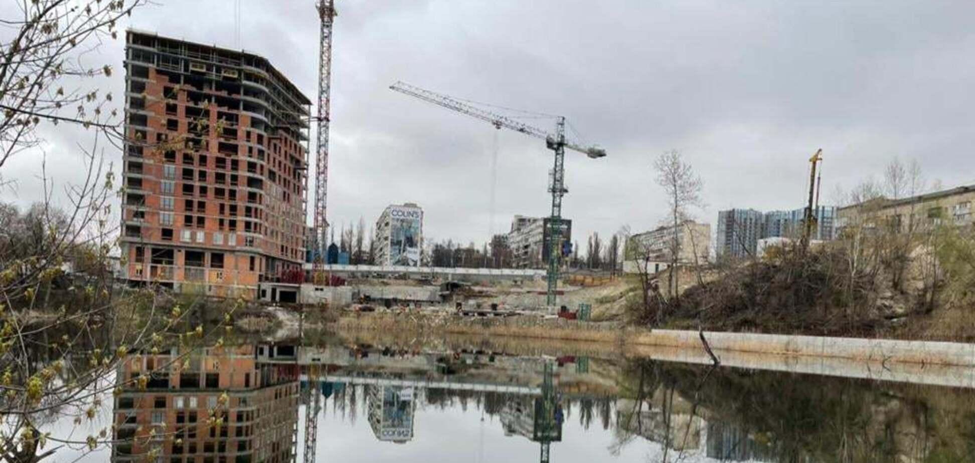 У столиці розікрали 4,8 мільйонів гривень на укріпленні схилів озера Глинка