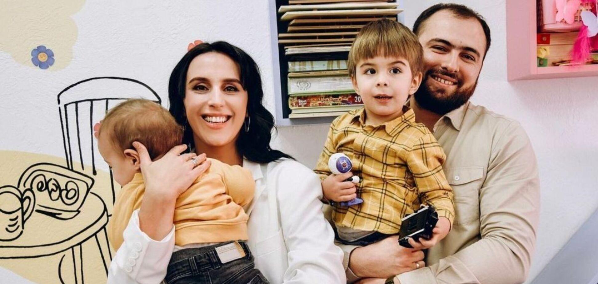 Джамала вразила фанатів рідкісним знімком сина та батька
