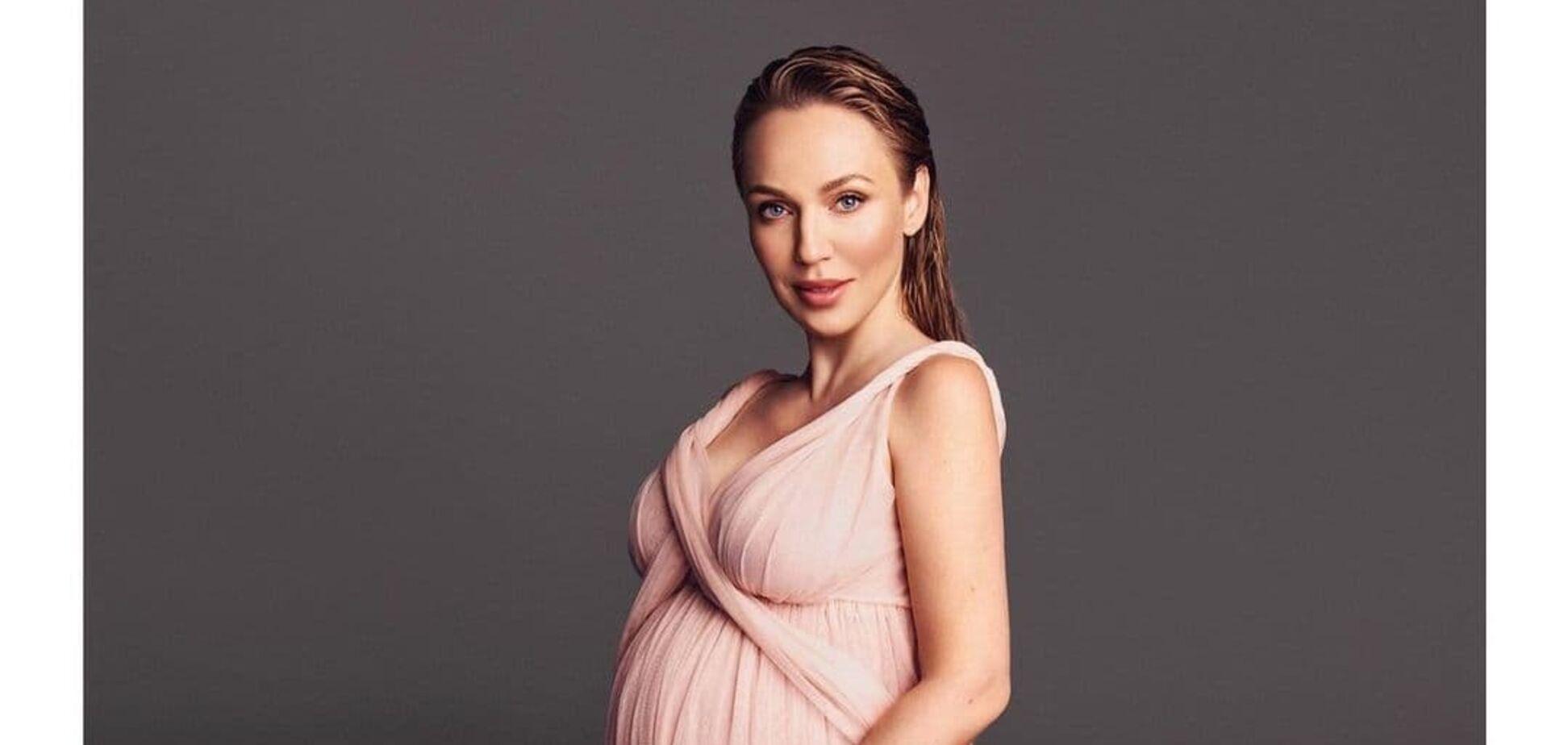 Альбина Джанабаева показала первое фото дочери