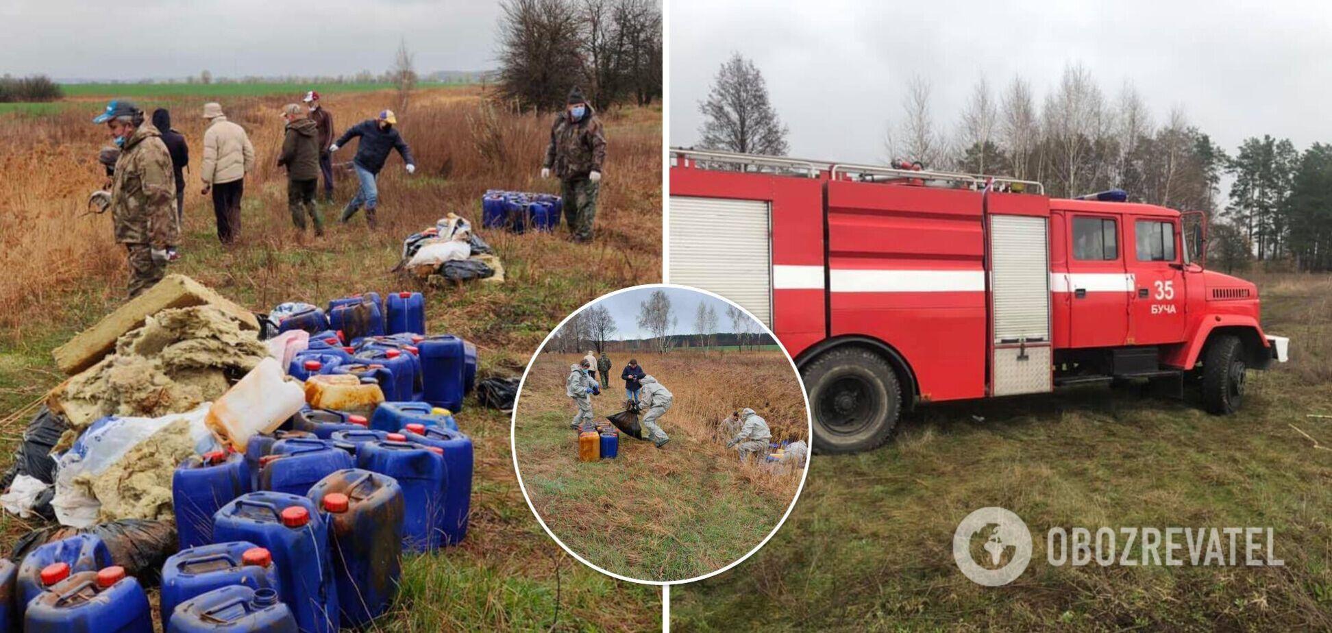 На Київщині річку закидали сміттям і каністрами з хімікатами