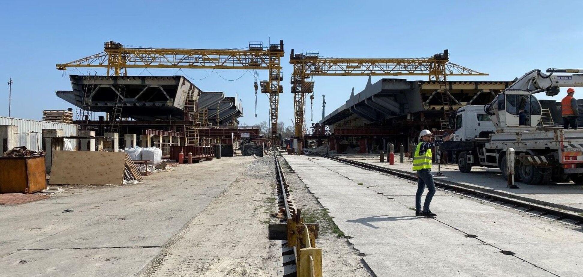 У Запоріжжі тривають активні роботи з будівництва мосту через Дніпро