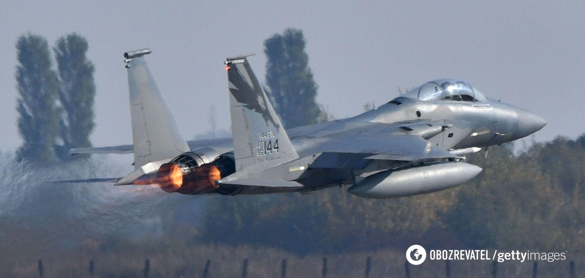 США перекинули в Польщу десятки бойових винищувачів