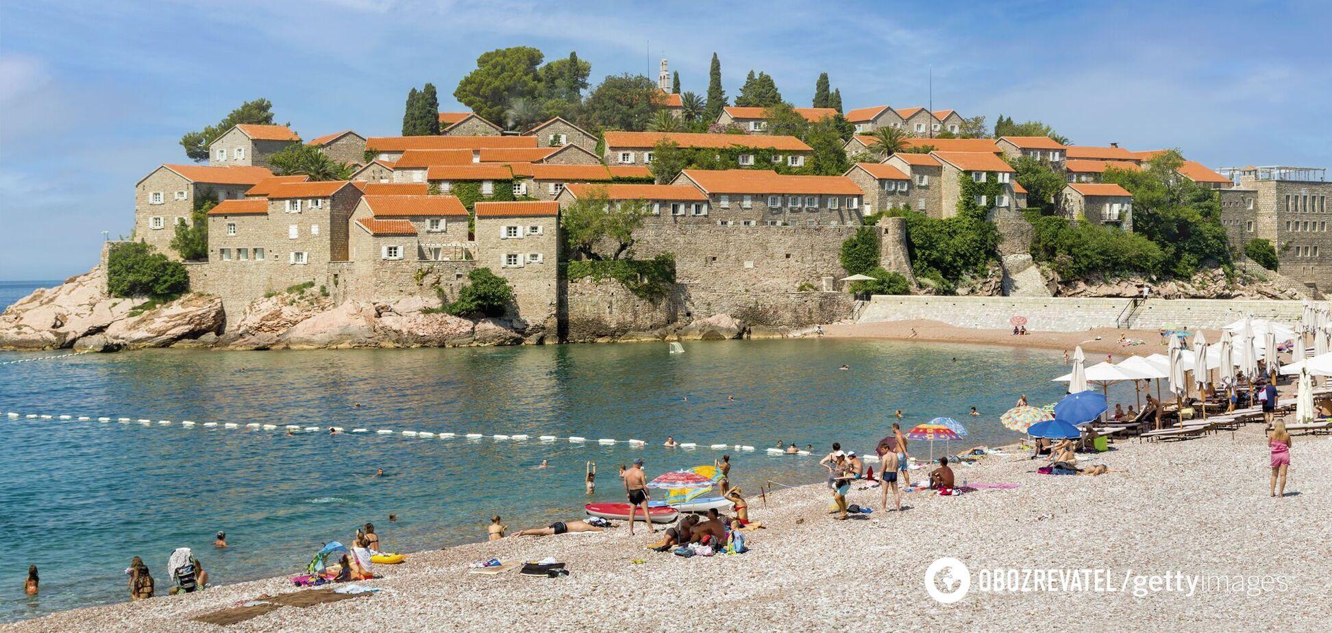 Чорногорія скасувала всі обмеження для туристів