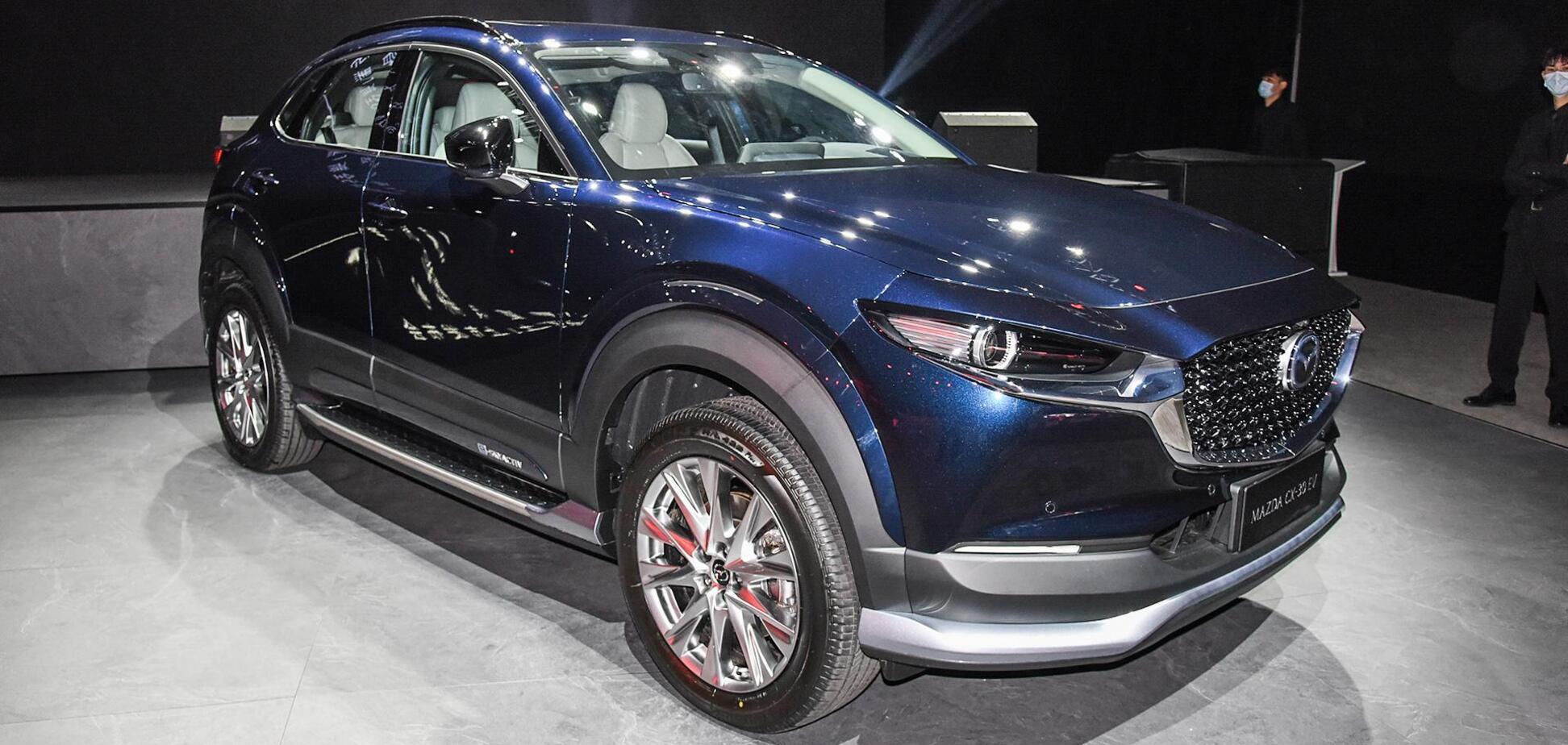 У Mazda СХ-30 з'явилася версія на 'батарейках'