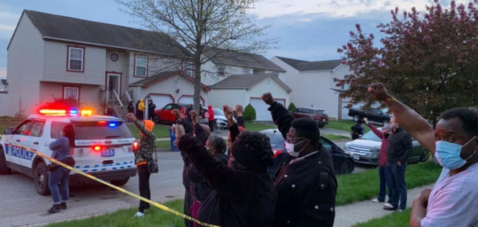 Момент убийства 15-летней девушки в США