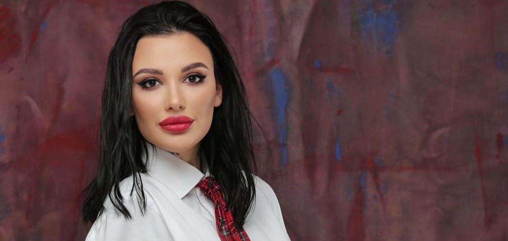 Адель из 'Холостяка' о своей профессии: порно смотрят все