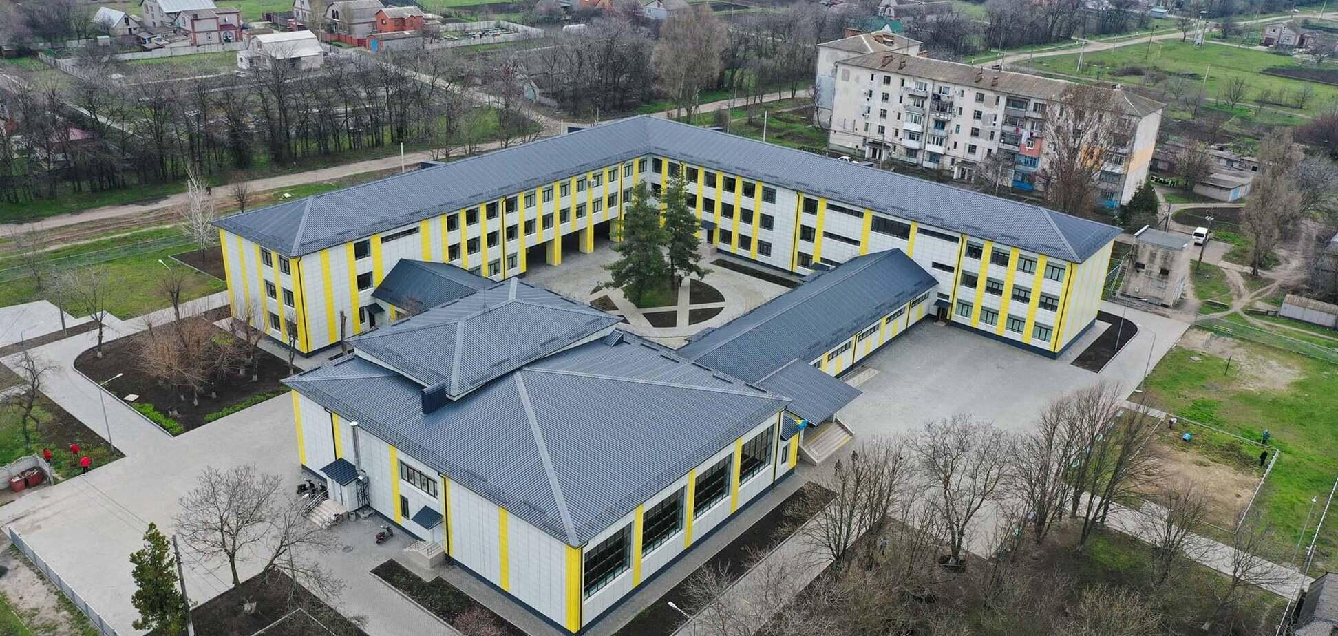 В сети показали образцовую школу на Днепропетровщине: такие появятся в рамках 'Большой стройки'