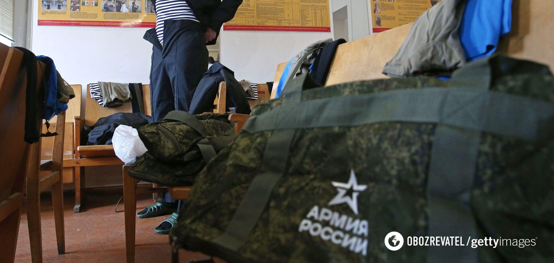 Росія почала повертати війська з окупованого Криму. Відео