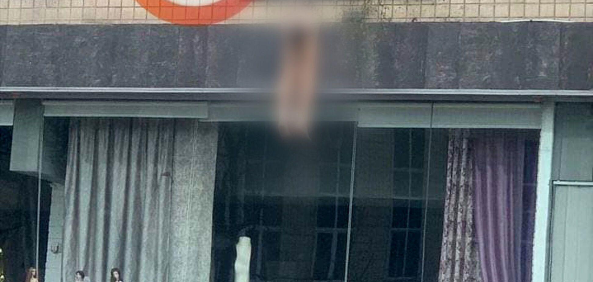 У Києві чоловік розбився на смерть при падінні з 8-го поверху