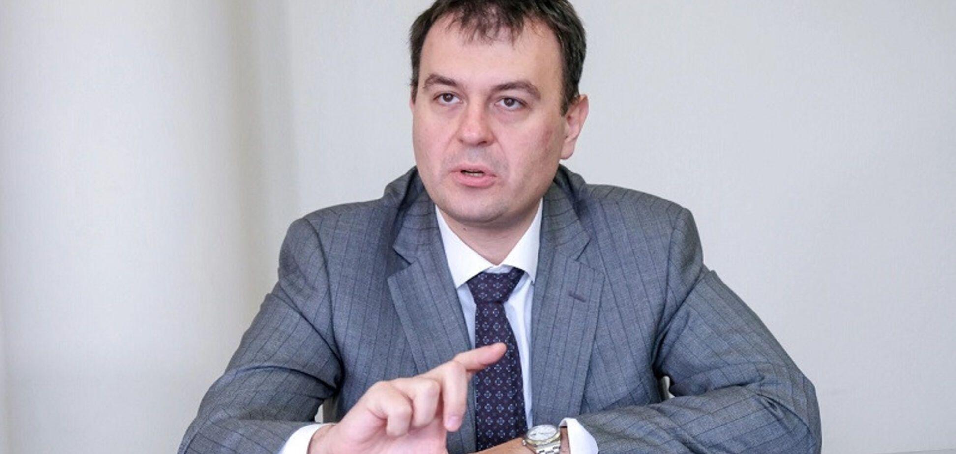 Гетманцев требует от украинцев занести все накопления в банк и заплатить новый налог