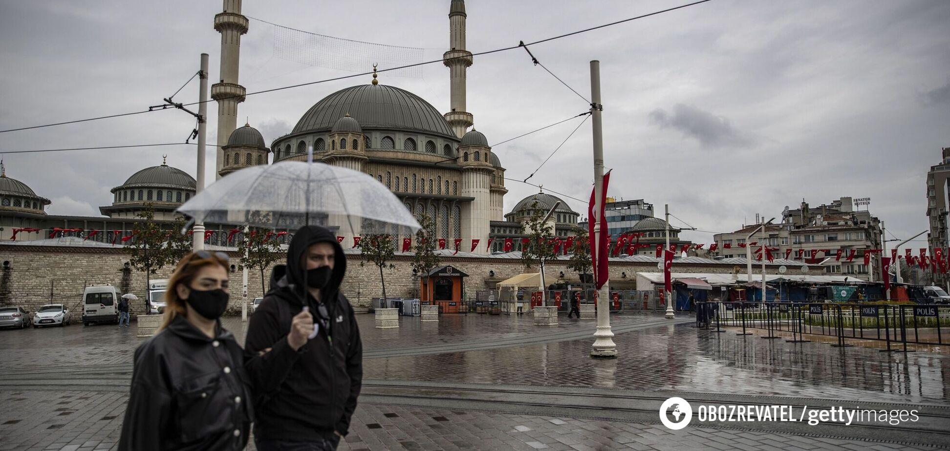 Эрдоган объявил полный локдаун в Турции на все майские праздники