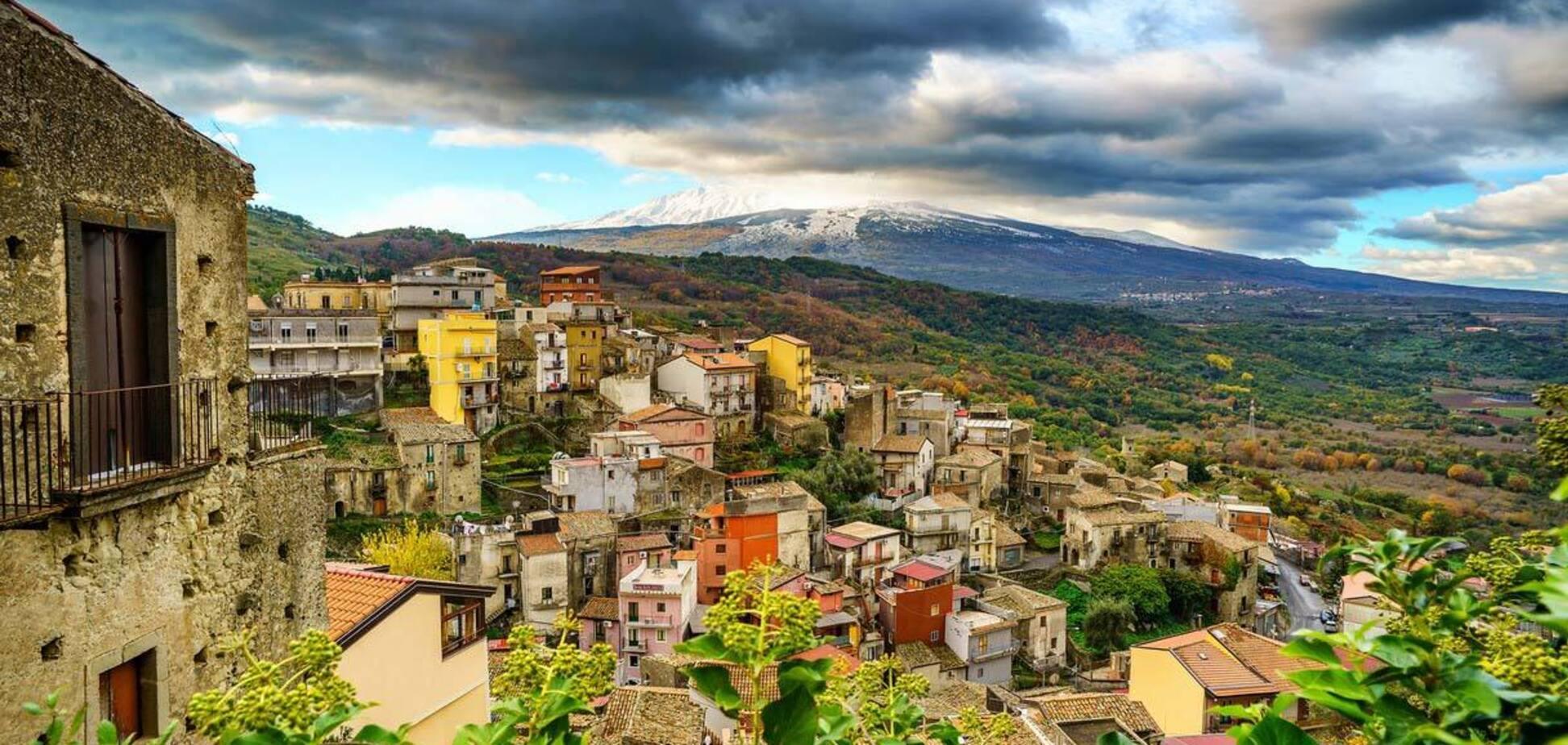 У місті Кастільйоне-ді-Сицилія будуть продавати будинки за 1 євро